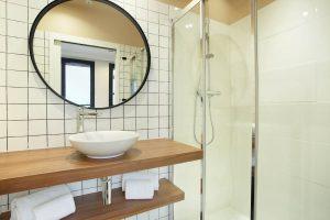 Yays Paris Issy, One Bedroom, Bathroom