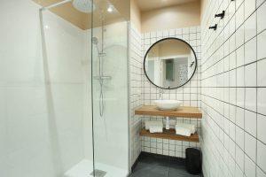 Yays Paris Issy, One Bedroom Essential, Bathroom