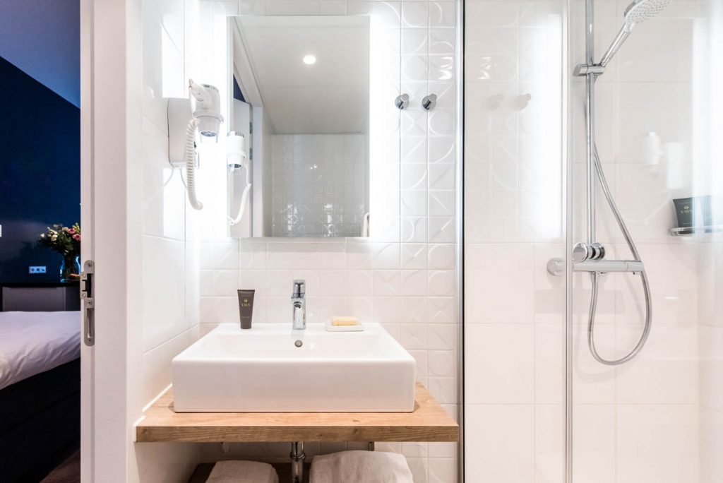 YAYS Amsterdam Docklands, Studio Apartment, Bathroom