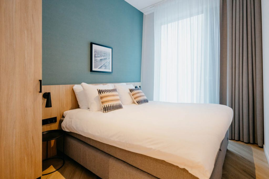 YAYS Amsterdam Docklands, One Bedroom Essential Apartment, Bed