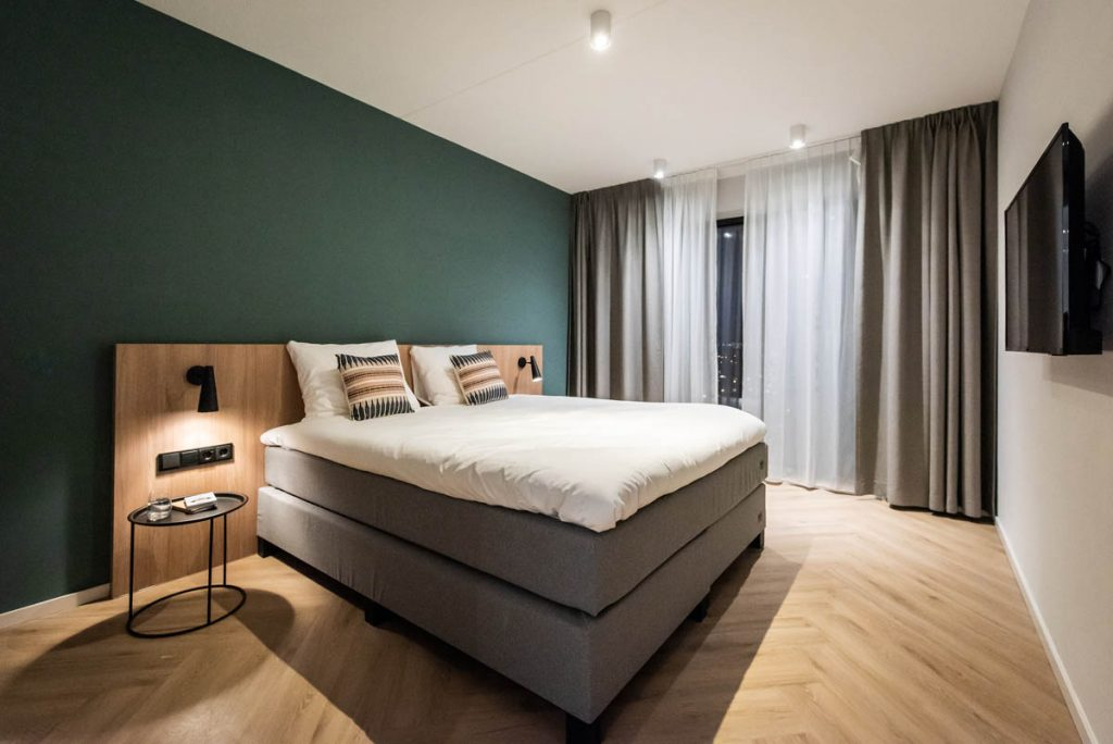 YAYS Amsterdam Docklands, One Bedroom Grand Apartment, Bedroom