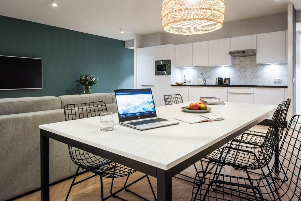 YAYS Amsterdam Docklands, One Bedroom Grand Apartment, Dining room