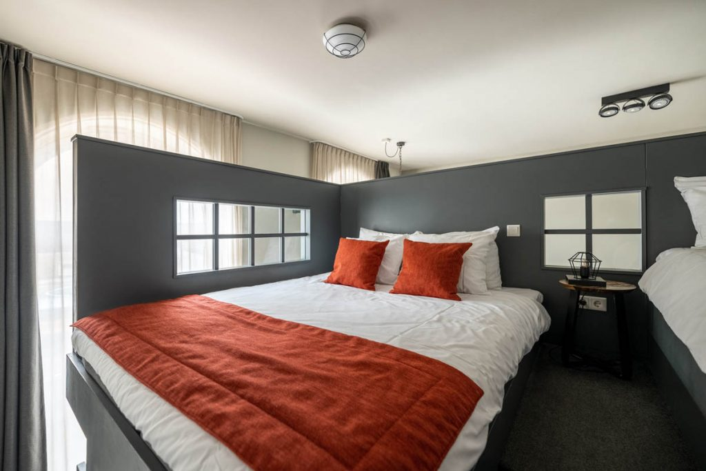 YAYS Amsterdam Maritime, Duplex Studio, Bedroom