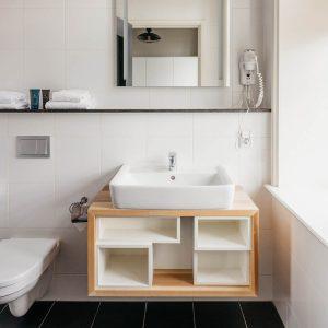 YAYS Amsterdam Maritime, Tower Studio, Bathroom