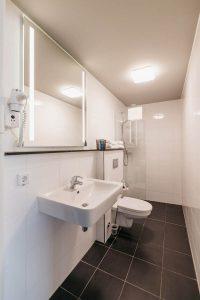 YAYS Amsterdam Maritime, Duplex Studio, Bathroom