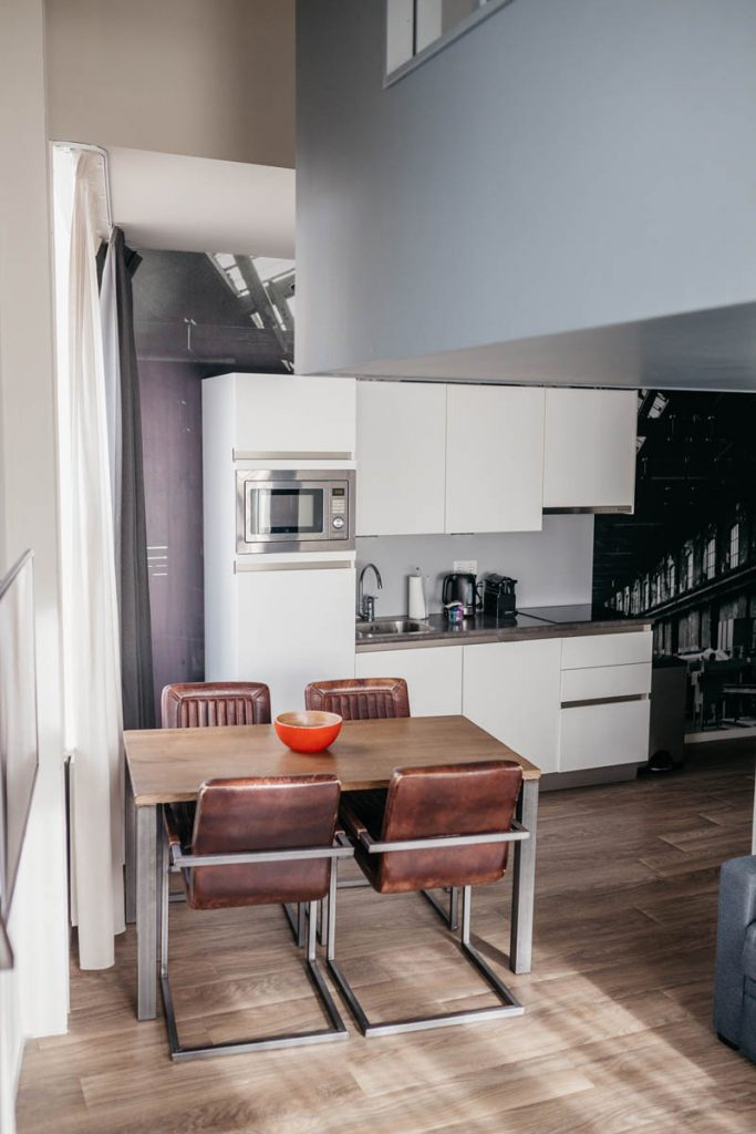 YAYS Amsterdam Maritime, Duplex Studio, Kitchen