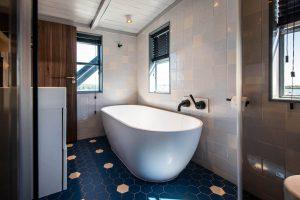 Amsterdam The Crane by YAYS, Bathtub