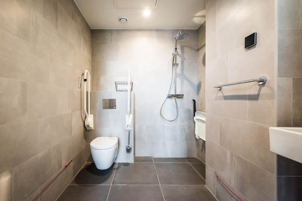 Amsterdam East by YAYS, One Bedroom Access Apartment, Bathroom