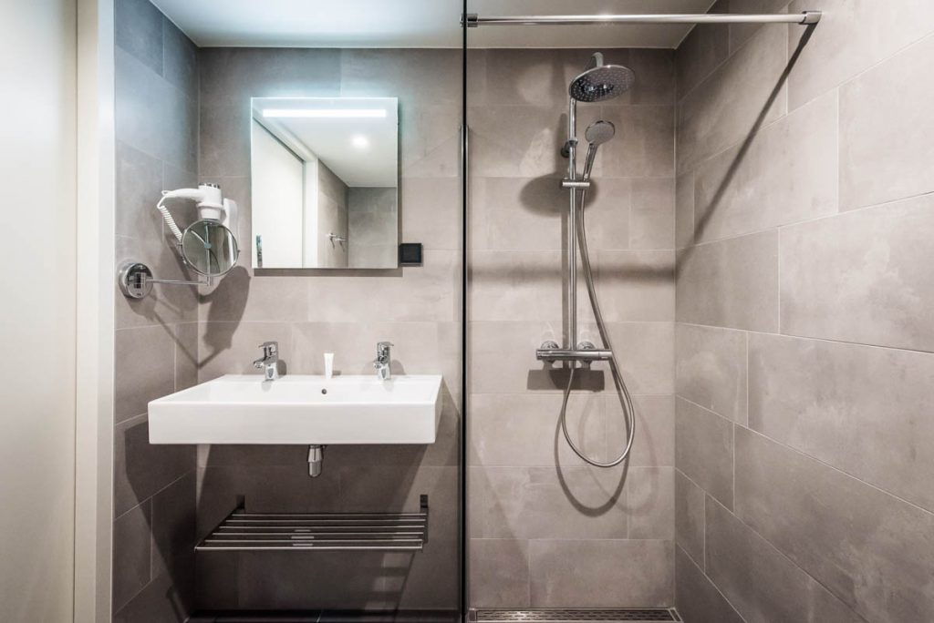 Amsterdam East by YAYS, Two Bedroom Apartment, Bathroom