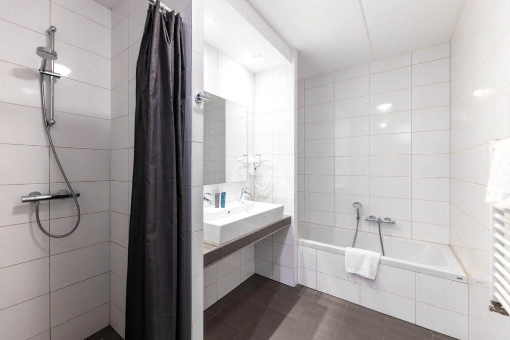 Amsterdam Prince Island by YAYS, Two Bedroom, Bathroom